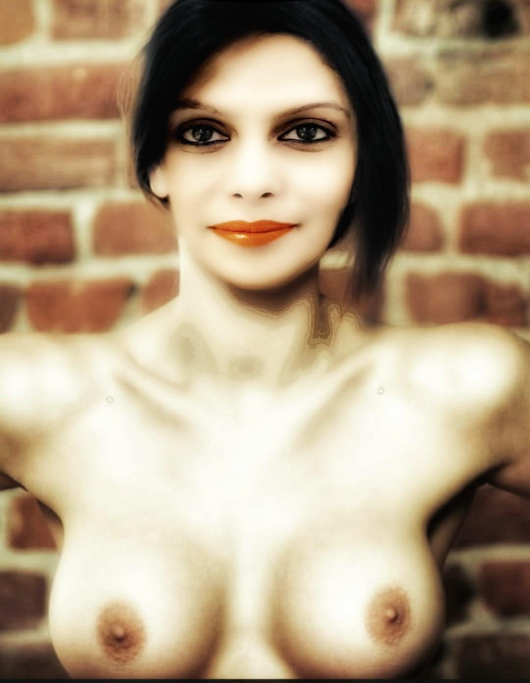 Palki Sharma Upadhyay small boobs journalist nude nipple pose without bra
