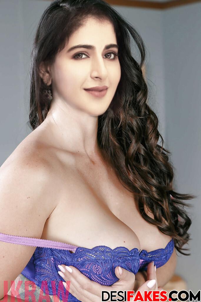 Iswarya Menon Kamapisachi Nude Naked Picture