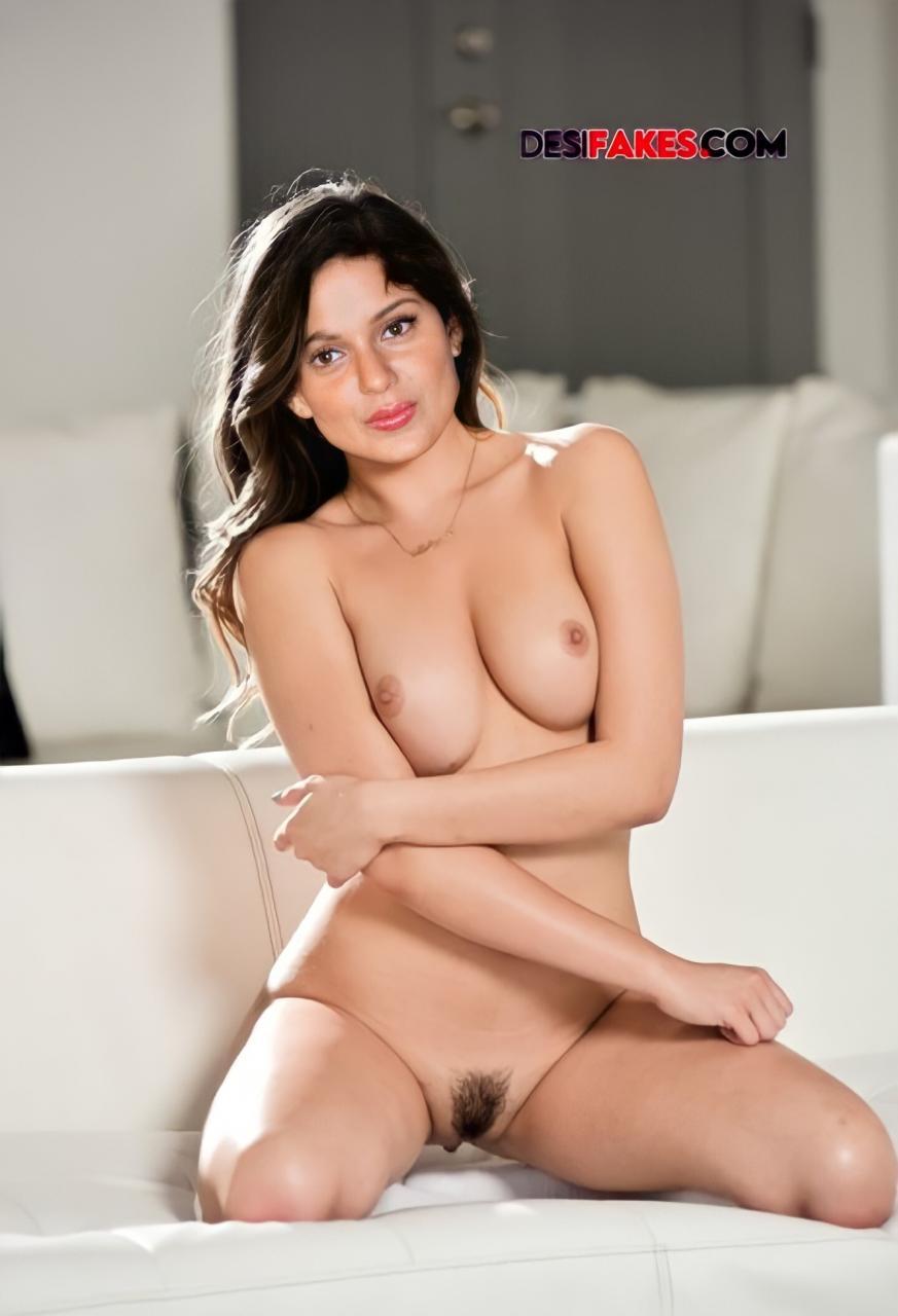 Kangana ranaut Nude Breast