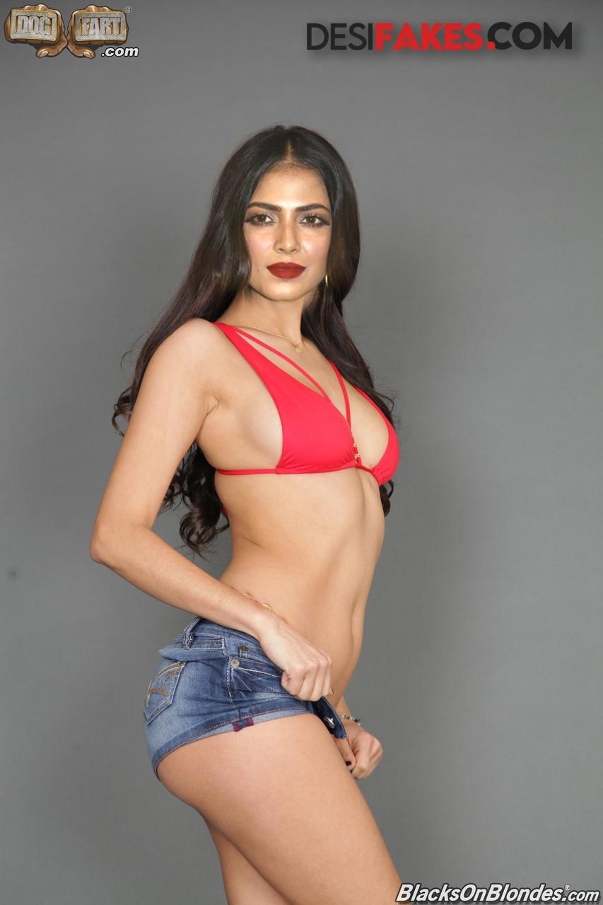 Malavika Mohanan South Naked Actress