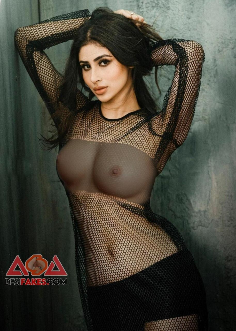 Mouni roy Ass Bikini