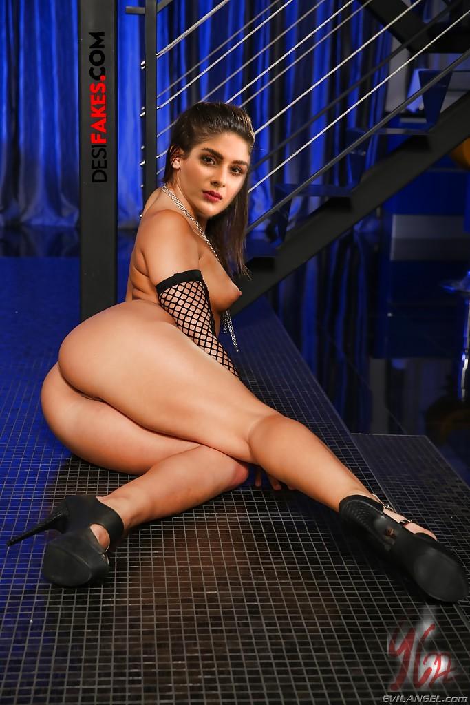 Samyuktha Menon Naked Pussy Stills