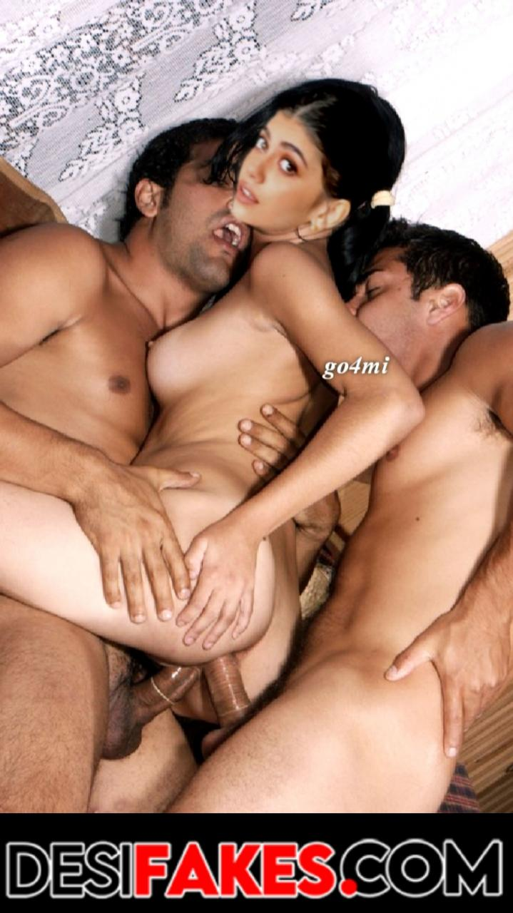 Sanjana Sanghi Sexy Nude Boobs Pic