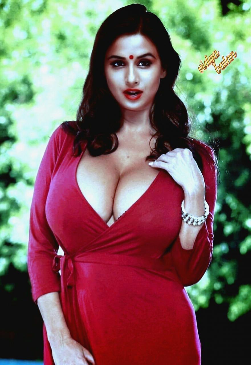 Vidya Balan Celebrity Show There Butt Pics