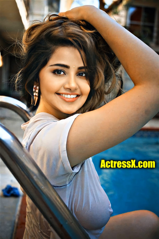 Anupama Nipple showed up so cute to her face wet top