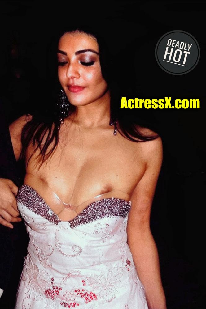 Kajal Aggarwal nipple slip Showing Boobs tweet